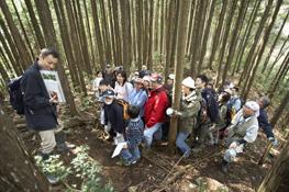 三井物産の森で学ぶ、参加者の皆さん